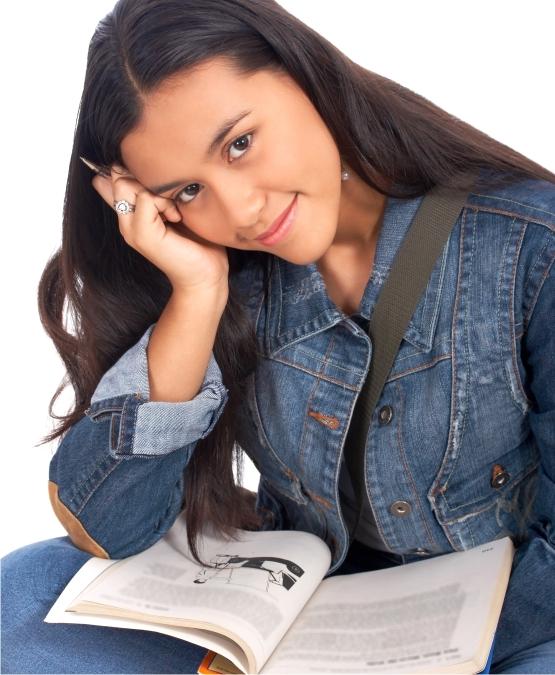 Μαύρο κορίτσι που χρονολογείται ισπανόφωνων